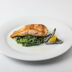 Grilled salmon with cream leaf spinach